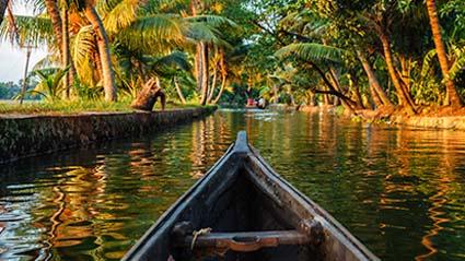 kerala-backwaters-10-best-kerala-backwaters-you-should-explore-in-2020-Mobiles-414x233